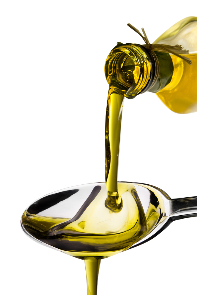 olive-oil pouring 23378710