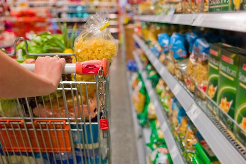 supermarket 108585317