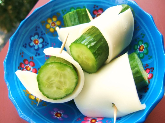 cucumbers-with-cheese