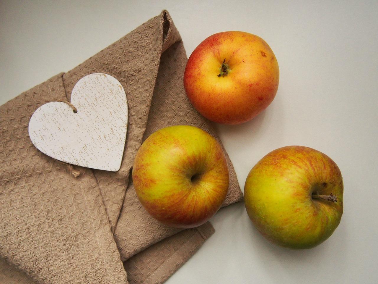 apples-923681 1280